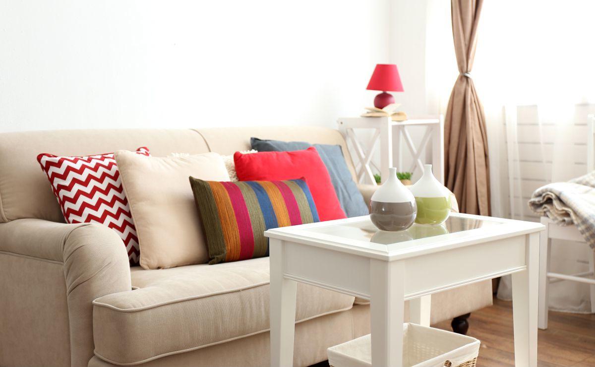 Как переоформить квартиру на жену без